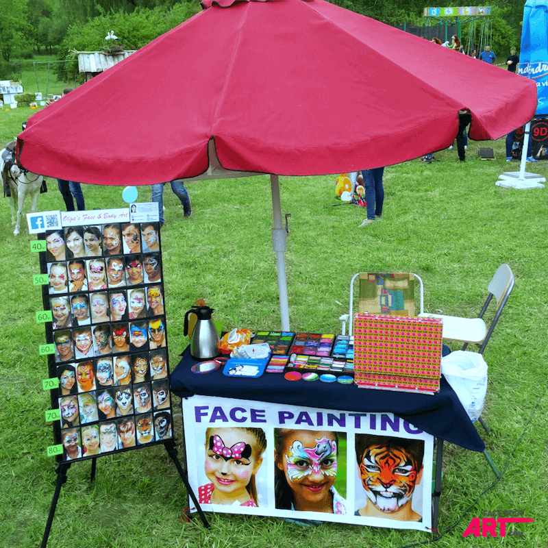 Face painting craft workstation - outdoor gigs