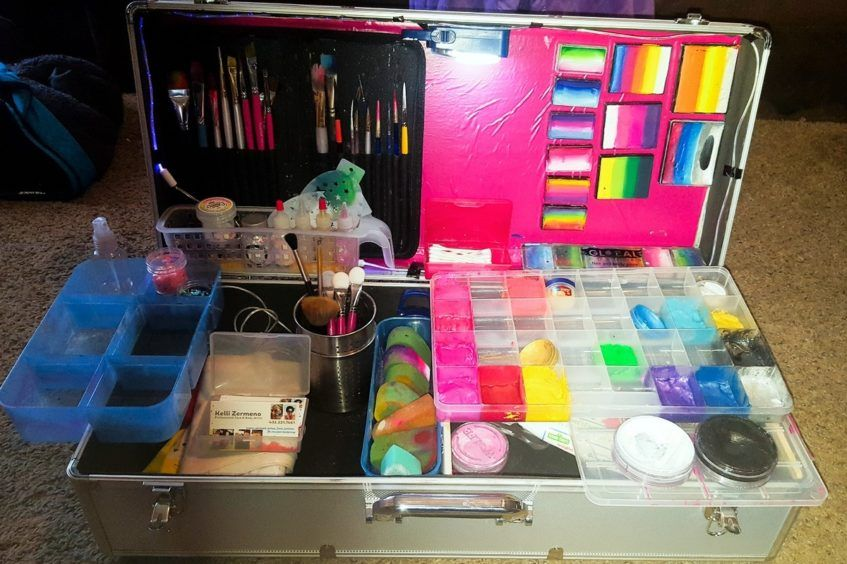 face painting kit example