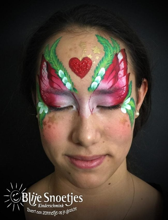 Christmas Fairy face painting - Step 3
